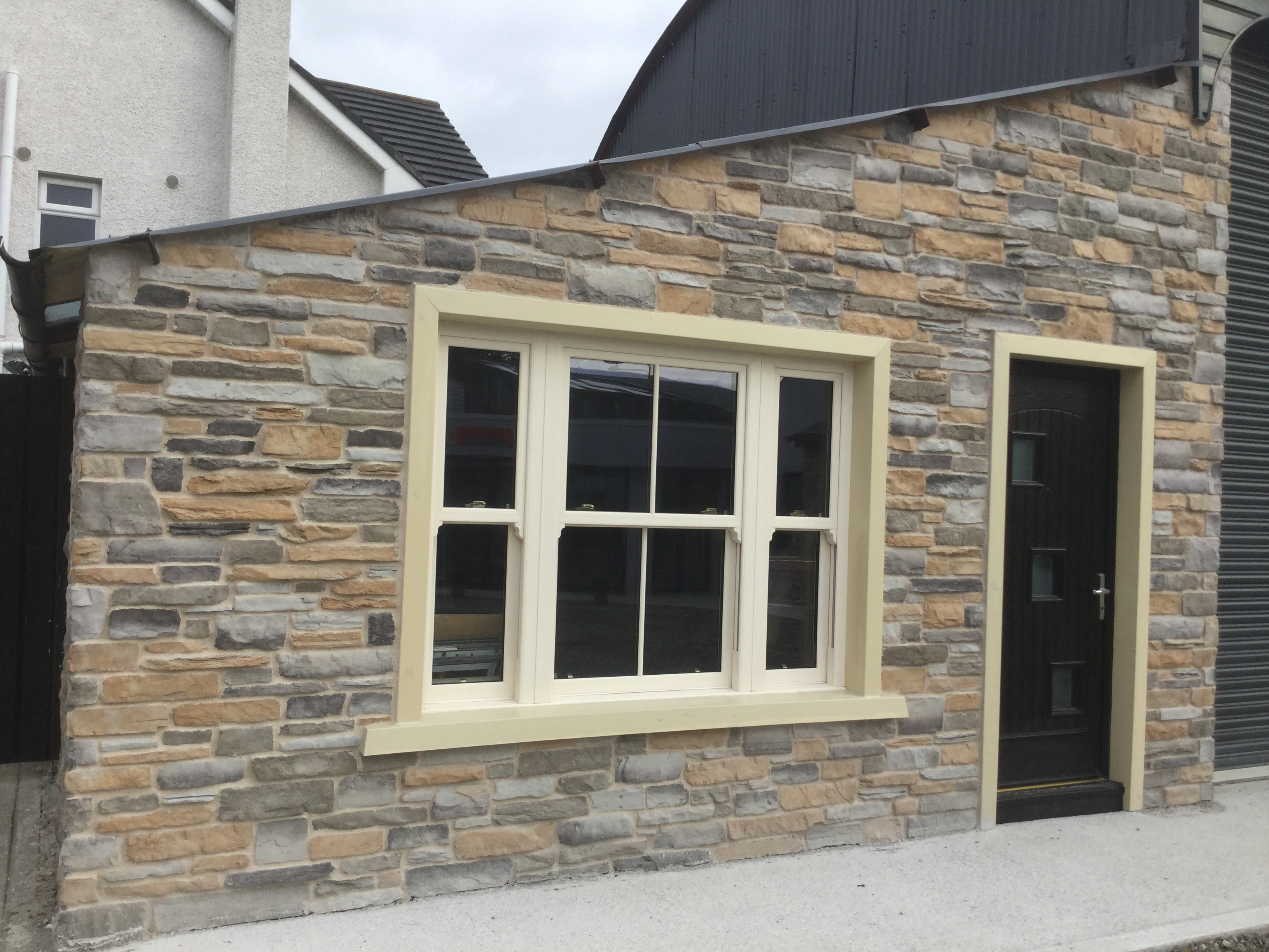 Fernhill Stone Amp Senator Windows Join Forces To Complement